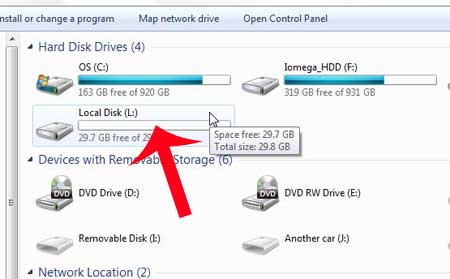 finding the correct drive letter for the flash drive