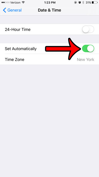 make iphone update automatically with time zone change