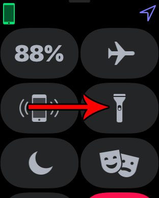 how to use the flashlight on the apple watch